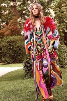100+ best looks of resort 2017: Roberto Cavalli includes this color look that plays with texture and shape.