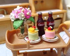 Dollhouse Miniature Pudding + Frappuccino Set, Scale FOR Realpuki Lati-White Pukipuki Sylvanian-Families Tiny Doll Food - - Diorama, Miniature Food, Miniature Dolls, Donut Store, Small Chicken, Family Flowers, Doll Food, Diy Crafts Jewelry, Craft Accessories