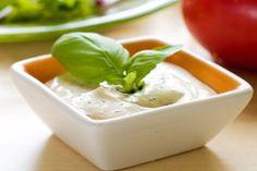 Molho de iogurte para salada de folhas verdes