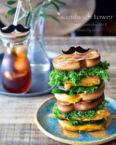 Instagramで話題沸騰中の「サンドイッチタワー」。サンドイッチを重ねてゴージャスにするもので、パーティーで出したり、ピクニックに持っていったりするのにぴったりなんです。みなさんどのようにサンドイッチタワーを楽しんでいるか紹介します。