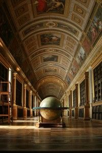 Library at the Chateau de Fontainebleau, France. The Chateau de Fontainebleau is one of the largest French royal chateaux, located 55 kilometres from the centre of Paris. Photo Chateau, Architecture Classique, Beautiful Library, France 3, Around The Worlds, Globes, Bookstores, Bibliophile, Interiors