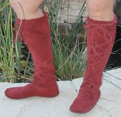 Handmade Moccasins Boots in Burgundy suede w/rubber soles