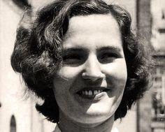 Búscame en el ciclo de la vida: Recordando a Carmen Laforet.