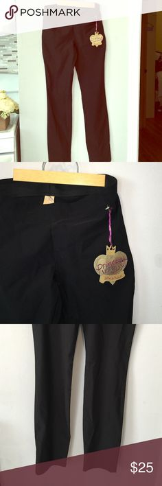 Size m - Vera Wang - ankle pant Can be dressed up or down - versatile! Vera Wang Pants Ankle & Cropped