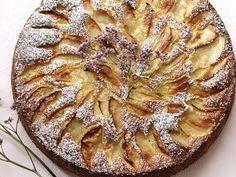 Jablečný koláč s lískovými oříšky Apple Pie, Food, Cookies, Postres, Apple Cakes, Apples, Homemade Cookies, Homemade, Apple Pies