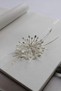"""...des Glückstagebuchs für den Workshop        Papierintarsien mit SchimmerpapierLeinenband        Stempel TY554   Diese Buchseite ist ähnlich einer Idee von """"der kleine Klecks"""" entstanden .  Die """"Pu"""