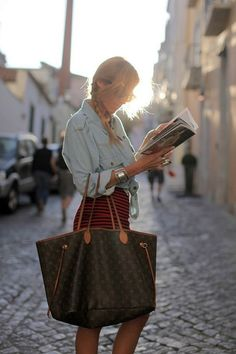 Peça-chave do verão: bolsa sacola
