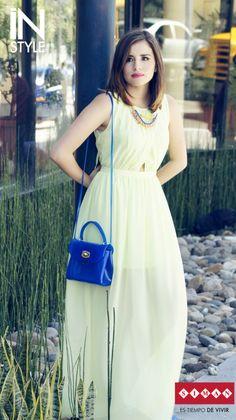 #FashionBySIMAN & Stylish Everywhere Utiliza maxi dresses para estos días soleados y luce elegante y fresca durante esta temporada. http://stylisheverywhere.com/look-of-the-day-neon/