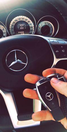 Mercedes Benz – One Stop Classic Car News & Tips Mercedes Auto, Carros Mercedes Benz, Mercedes G Wagon, Mercedes Hatchback, Maserati, Mercedes Interior, Mercedes Benz Wallpaper, Carros Bmw, C 63 Amg