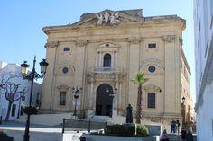 fachada de la iglesia de San Juan Bautista en Chiclana de la Frontera Notre Dame, Louvre, Mansions, House Styles, Building, Travel, John The Baptist, Viajes, Buildings