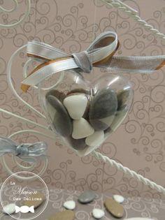 coeur plexi la transparence de ce contenant drages permet de dcouvrir lharmonie - Contenant Drages Mariage Coeur