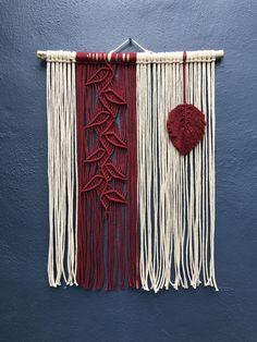 Driftwood Macrame, Macrame Art, Macrame Design, Macrame Projects, Macrame Knots, Macrame Wall Hanging Patterns, Macrame Patterns, Rope Crafts, Yarn Crafts