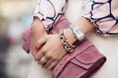 oh wendy...you know what fashion i love! gorgeous lil clutch and bracelets