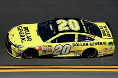 CHECKERED FLAG: @mattkenseth wins the #SprintUnlimited! 2/14/15