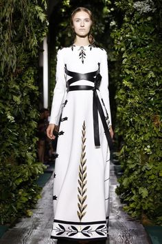 Paris Couture Fashion Week: Valentino F/W14 Collection #Couture #Valentino