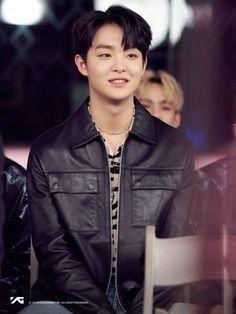 Yoshi, You Are My Treasure, Golden Treasure, Yg Trainee, Survival, Cute Panda, Treasure Boxes, Yg Entertainment, K Idols