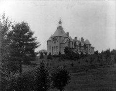 Tenney Castle Greycourt, Methuen, Massachusetts, USA, circa 1900. - Estate of Charles H. Tenney