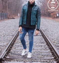 Cool jacket! What do you think about this outfit? Style by @ynunes_11 #mensfashion_guide #mensguide