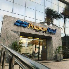 O Praiamar Natal Hotel & Convention está localizado a 50 metros da Praia de Ponta Negra, na melhor região de Natal. Rio Grande Do Norte, Surf, Broadway Shows, Water Playground, Play Areas, Littoral Zone, Surfing, Surfs, Surfs Up