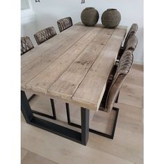 49 Diy Wooden Dining Table Idea - As a DIY person with passion specifically for woodworking, I've always wanted to build a dining room table. It wasn't until I had the weekend free tha. Steel Dining Table, Dining Table Legs, Wooden Dining Tables, Modern Dining Table, Wood Table, Plank Table, Reclaimed Wood Kitchen, Kitchen Wood, Shabby Chic Bedroom Furniture