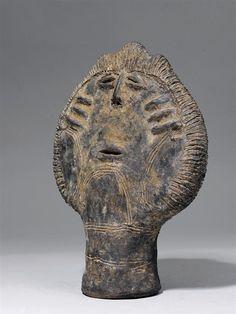 Akan Nsodia (Funerary Portrait Head), Kwahu, Ghana http://www.imodara.com/post/105556131824/ghana-akan-nsodia-funerary-portrait-head