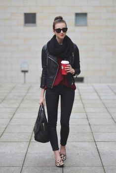 Image via We Heart It https://weheartit.com/entry/155314909 #black #cute #fashion #outfit #winter