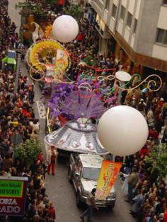 Δημιουργία - Επικοινωνία: Απόκριες Mardi Gras, Christmas Tree, Holiday Decor, Home Decor, Donut Holes, Tips, Carnival, Teal Christmas Tree, Decoration Home