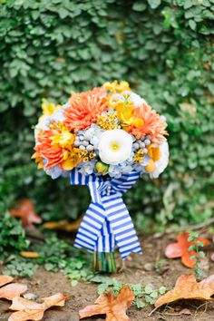 Add a striped ribbon to your wedding bouquet.