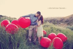 7 Valentine's Day Couple Photoshoot Ideas With Awesome Props - Scoopify Balloons Photography, Digital Photography, Nature Photography, Inspiring Photography, Photography Ideas, Valentine Mini Session, Valentines Day Couple, Engagement Couple, Engagement Photos