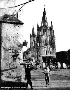 Vista parcial de plaza de San Miguel de Allende Guanajuato Mexico