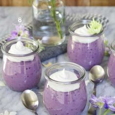 Paleo Purple Sweet Potato Tapioca Pudding - vibrant and colorful this is a perfect snack or dessert for spring! Purple sweet potato is also called ube and is common in Hawaiian and Filipino cuisine. Purple Yam, Purple Food, Cooking Sweet Potatoes, Mashed Sweet Potatoes, Matcha, Ube Recipes, Pudding Recipes, Delicious Recipes, Vegetarian Recipes
