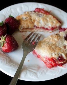 Strawberry Rhubarb Hand Pies by @bigfatbaker are incredible! #SundaySupper