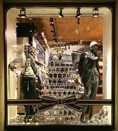 Tommy Hilfiger windows 2013 Winter, London » Retail Design Blog