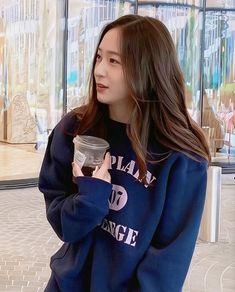 Krystal Jung 2017, Krystal Jung Fashion, Krystal Fx, Jessica & Krystal, Jessica Jung, Divas, Goddess Hairstyles, Smart Girls, Kpop Outfits
