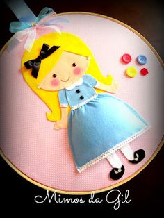 Alice in Wonderland Embroidery Hoop-framed art: Alice by Mimos da Gil ||| wall, door, decor, felt, fabric, Lewis Carroll