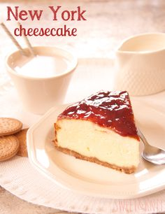 New York cheesecake! Sweets Recipes, Mexican Food Recipes, Cake Recipes, Cheesecake Americana, New York Cheescake, Delicious Desserts, Yummy Food, Bread Machine Recipes, Strawberry Cakes