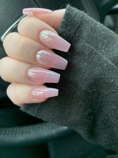 New nails who dis - ombre acrylic nails Gold Acrylic Nails, Rose Gold Nails, Sparkle Nails, Yellow Nails, Fancy Nails, Cute Nails, Pretty Nails, My Nails, Sweet 16 Nails