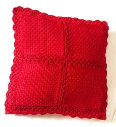 Capa de almofada, feita de linha em tear de pregos                                                                                                                                                      Mais