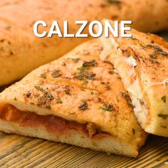 Try this delicious Calzone recipe for dinner tonight! All your favorite pizza toppings stuffed inside a pizza dough then baked! Kids Meals, Easy Meals, Cheese Calzone Recipe Ricotta, Recipe Using Mozzarella Cheese, Calzone Recipe With Pizza Dough, Calzone Dough, Pizza Recipe Video, Pizza Cheese, Vegetarian Food