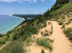 hidden trail is one of the best hikes in Michigan Spectacular Empire Bluff Trail in Sleeping Bear Dunes great hiking trail along Lake Michigan - milesSpectacular Empire Bluff Trail in Sleeping Bear Dunes great hiking trail along Lake Michigan - miles Traverse City Michigan, Lake Michigan, Northern Michigan, Wisconsin, Michigan Vacations, Michigan Travel, Michigan Day Trips, Midwest Vacations, Family Vacations