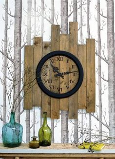Diy Furniture : 20 Original salvaged wood decor ideas Don Tequila Haller I didn't click Pallet Clock, Pallet Art, Diy Pallet, Pallet Crafts, Wood Crafts, Look Wallpaper, Diy Clock, Clock Ideas, Clock Wall