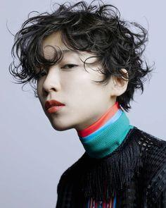 mieko komuraさんはInstagramを利用しています:「arteHAIR 小林D ナプラ ドリームプラス 今年は いっぱい賞を頂いて 良い1年でしたねー! ✨✨✨ hair make @kokekokkoba photo @miekokomura ✨✨✨ #love #perm #family #design…」