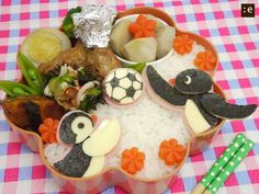 Pingu and Pinga bento Bento Recipes, Lunch Box Recipes, Lunch Snacks, Lunch Ideas, Bento Kids, Bento Food, Japanese Bento Box, Japanese Food Art, Cute Food