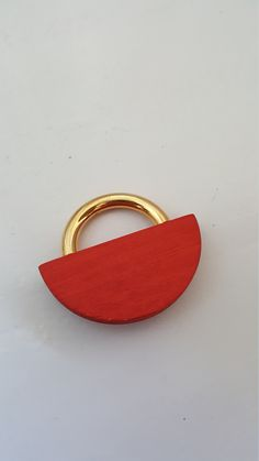 Vintage Aarikka Wooden Brooch Made in the Gold Wood, Marimekko, Vintage Brooches, Vintage Items, Red, How To Make, Accessories, Etsy, Color