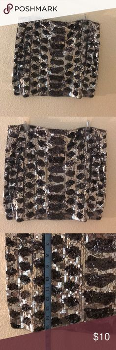 Sequin skirt Black and silver skirt, only worn once. Express Skirts Mini