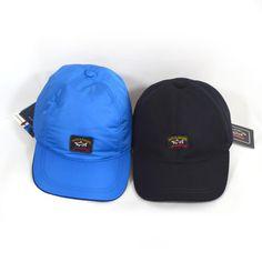 Paul & Shark caps, donkerblauw wol met polyamide en middenblauw polyamide.