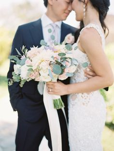 Photography : Esther Sun Photography Read More on SMP: http://www.stylemepretty.com/2016/11/25/malibu-destination-wedding/