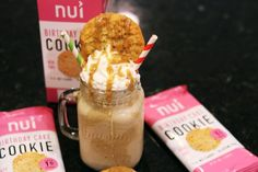 Cookies n' Salted Caramel Keto Frappuccino (Blended Coffee) — Dr. Low Carb Mixed Drinks, Low Carb Cocktails, Cocktail Recipes, Cream Cheeses, Low Carb Smoothies, Smoothie Recipes, Ketogenic Diet, Mousse, Starbucks Cookies