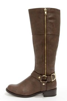 UGG boots, ($39.9). Loving these. Remember winter is here. Don't wait until you're frozen to get what you need.