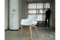 Chaise blanc cassé Le Bruno http://www.pure-deco.com/fauteuil-chaise/1556-fauteuil-le-bruno.html